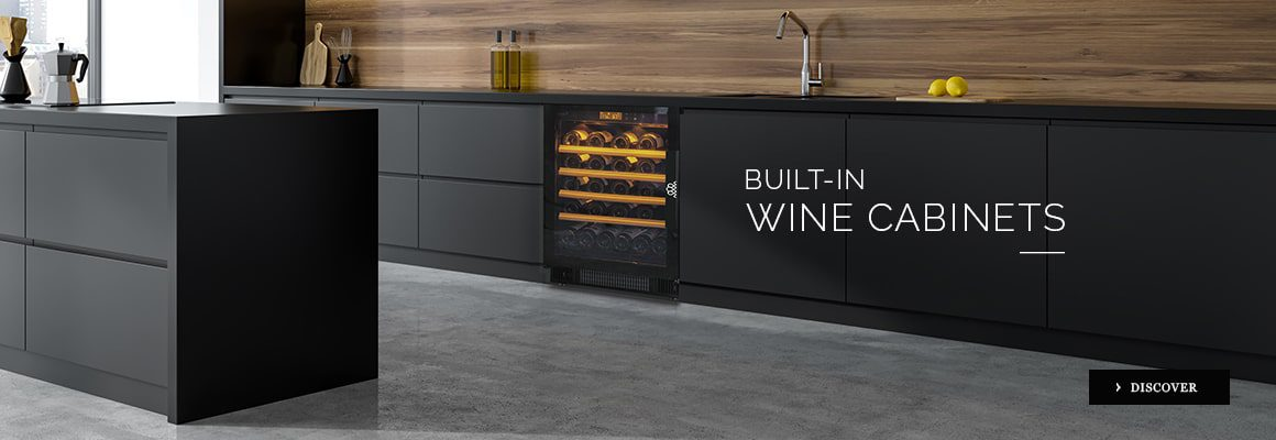 A range of built-in wine fridge for your kitchen or which will adapt to your interior decoration in a made-to-measure piece of furniture - small or large model - maturation or service wine cabinets.